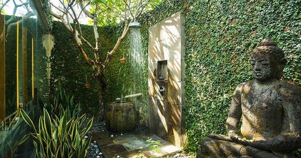Mê đắm những mẫu phòng tắm lộ thiên xua tan nắng hè