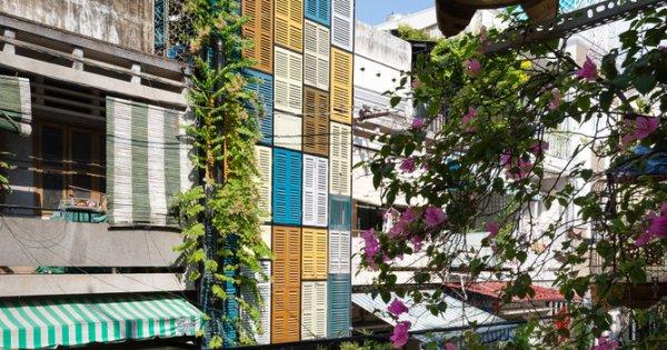Cũ và mới giao thoa sau những ô cửa đa sắc của ngôi nhà Sài Gòn