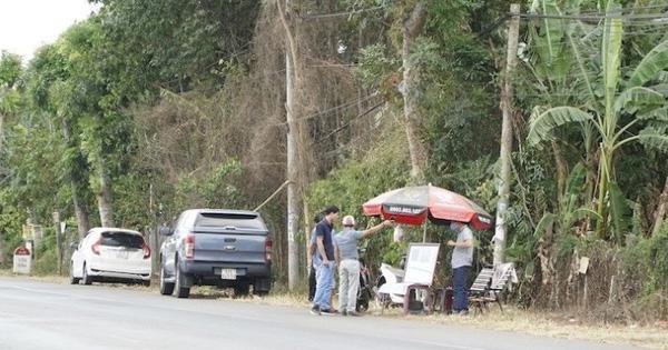 """Chuyên gia BĐS: """"Chỗ nào xe hơi đậu nhiều, quán cà phê đông nghẹt, tiền trao tới trao lui là rất nguy hiểm"""""""