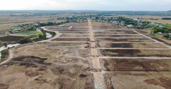 Tôi bị chôn vốn nhiều năm vì ham mua đất nền giá rẻ
