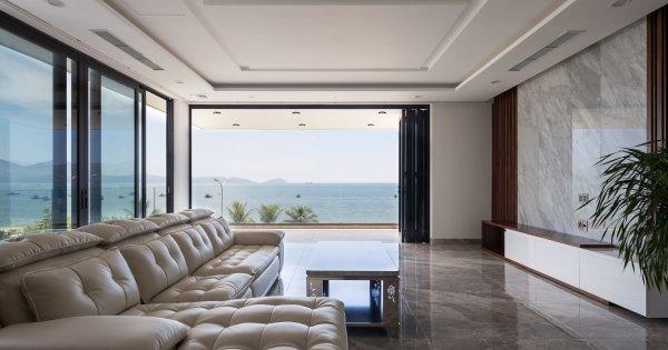 Ngôi nhà ngắm trọn vẹn bình minh trên vịnh biển Đà Nẵng