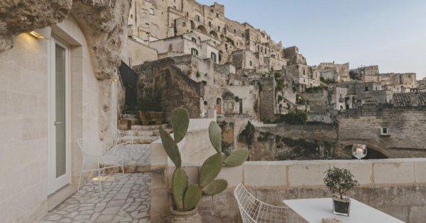 Khách sạn hang động độc đáo tại miền Nam nước Ý